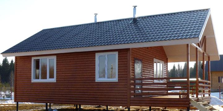 Фото домов с отделкой фундамента